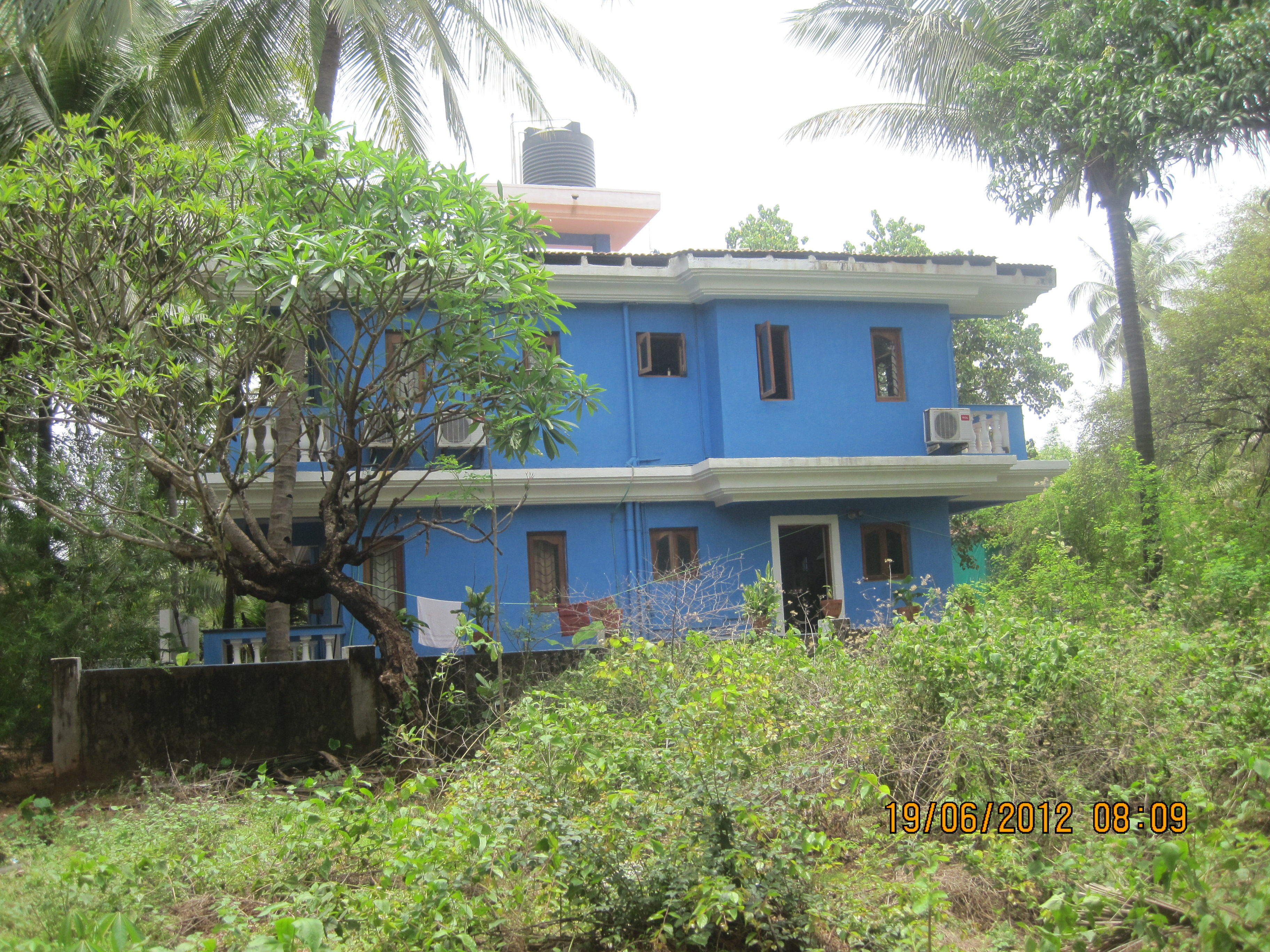 House for sale in goa beautiful house in candolim goa for Small house for sale in goa